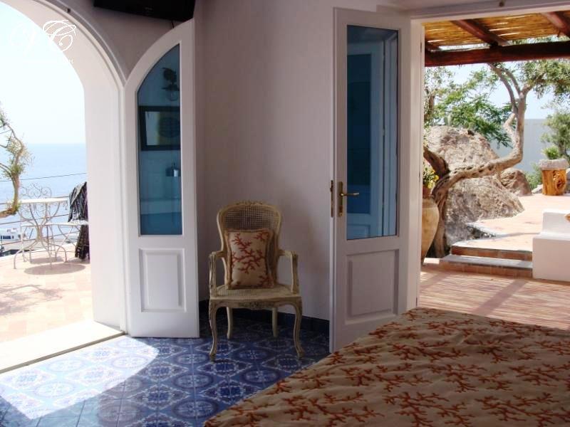185-villa-privata-sul-mare-9